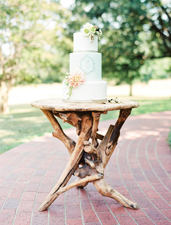 southern-wedding-wooden-rustic-table
