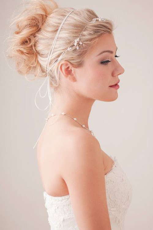 12 Stunning Alternatives to the Traditional Veil | Weddings Illustrated